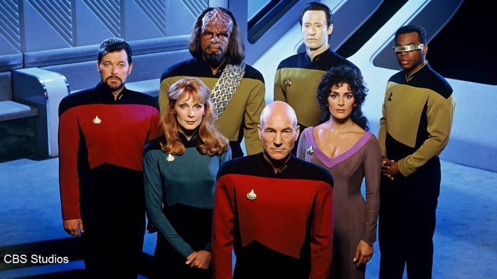 คณะตัวละครหลักจาก Star Trek หน้าตาเหมือนมนุษย์ทั้งนั้นเลย, huffingtonpost.com