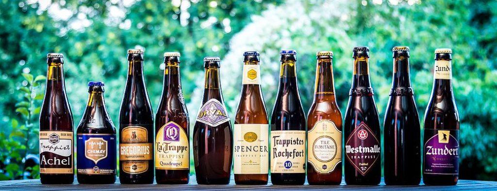 เบียร์จากกลุ่ม Trappist หลายยี่ห้อหาซื้อได้ที่ซูเปอร์มาเก็ตใกล้บ้านท่าน