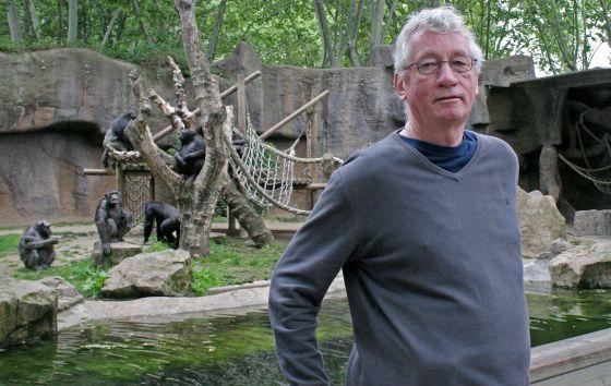 Frans B.M. de Waal ในปัจจุบันภายในสวนสัตว์บ้านเกิด (Photo:elpais.com)