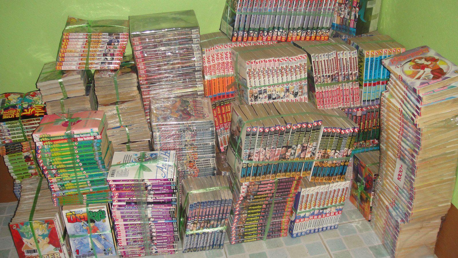 pile of manga books