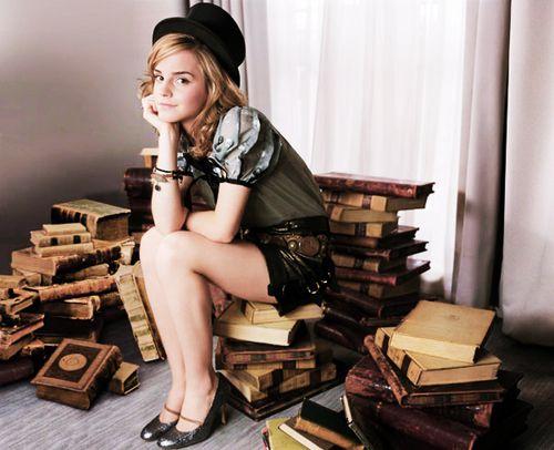 emma-watson-with-books