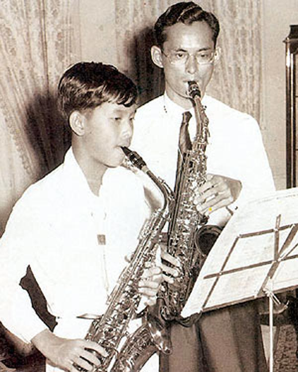 king-rama-ix-with-saxophone-and-crown-prince