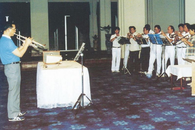 king-rama-ix-with-trumpet-and-band